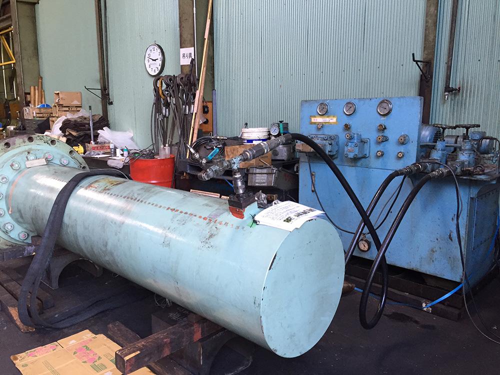 油圧シリンダー 耐圧試験